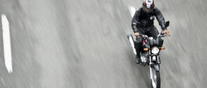 Imagem Turma decide que empresa é responsável por acidente com motoboy que não usava capacete